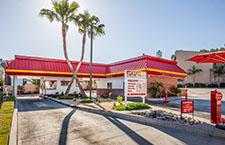 In-N-Out Burger - Woodland Hills, CA, 19920 Ventura Blvd..
